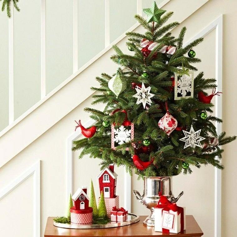 espacio imagenes navideñas creatividad escaleras mesa