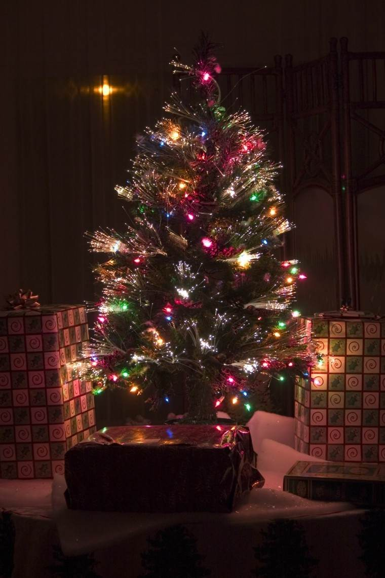 espacio imagenes navideñas macetas regalos luces