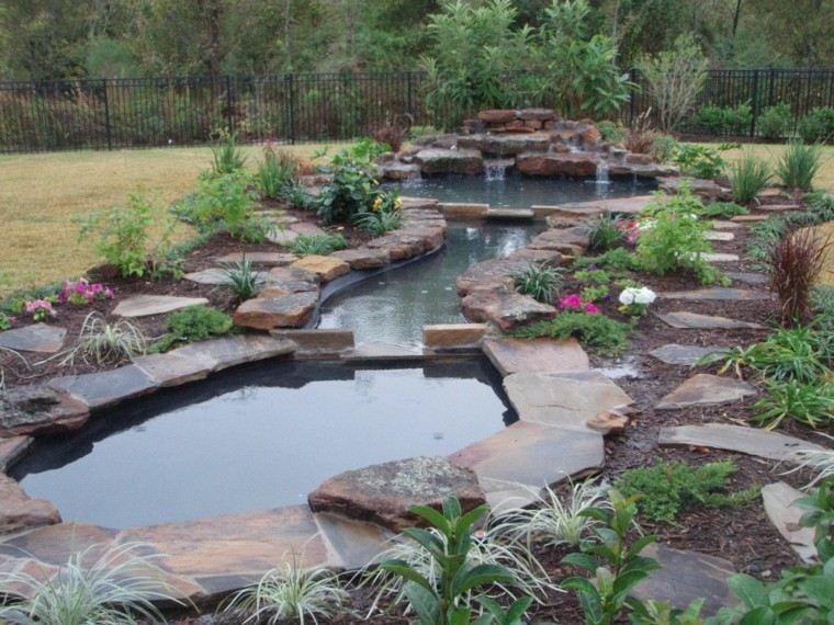Cascadas y cataratas en el jard n 63 ideas refrescantes - Jardin con estanque ...