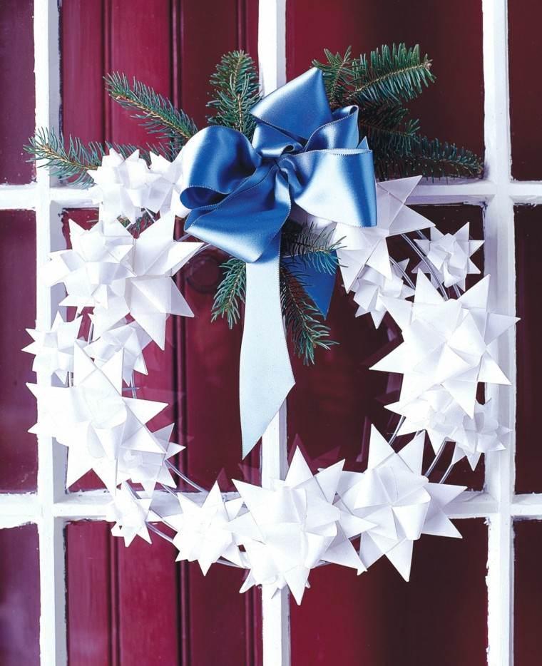 estrellas navidad decorando casa guirnalda blanca ideas