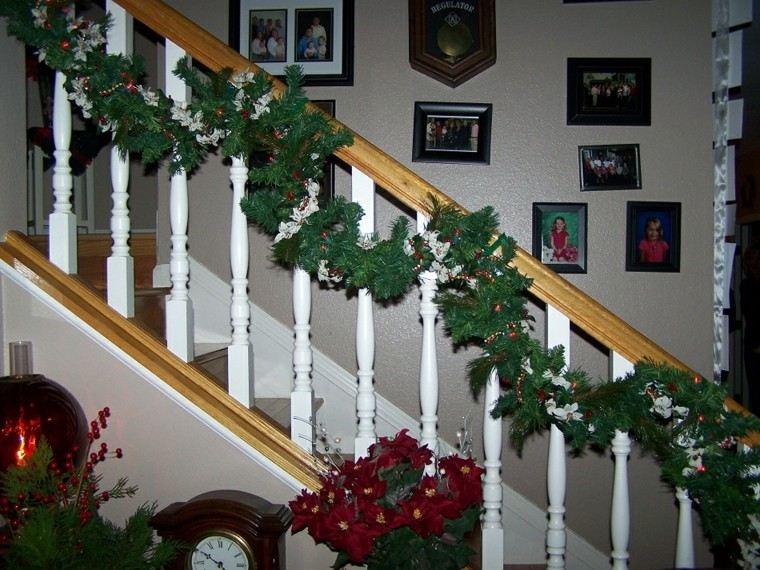 estupenda decoración escaleras navidad
