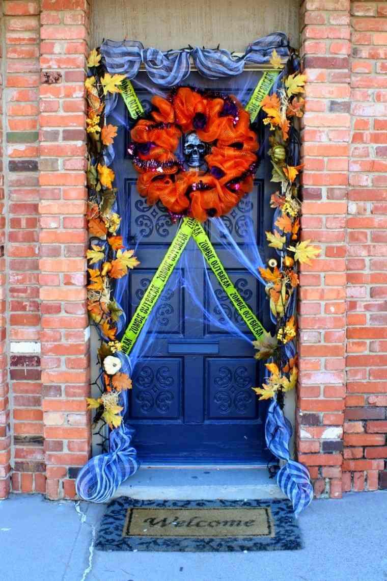 Puertas de entrada decoradas con colores de oto o for Imagenes puertas decoradas halloween