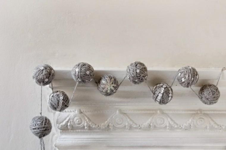 estupenda guirnaldas de navidad bolas lana