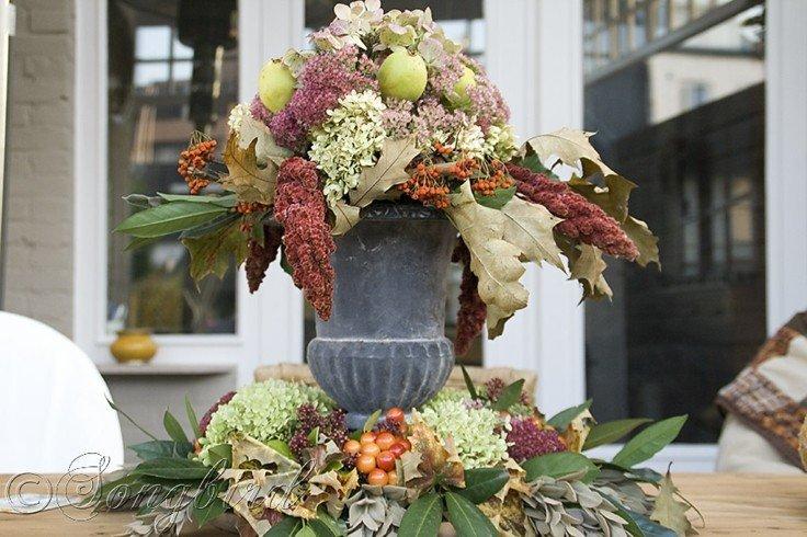 fuente jarron flores otoñales