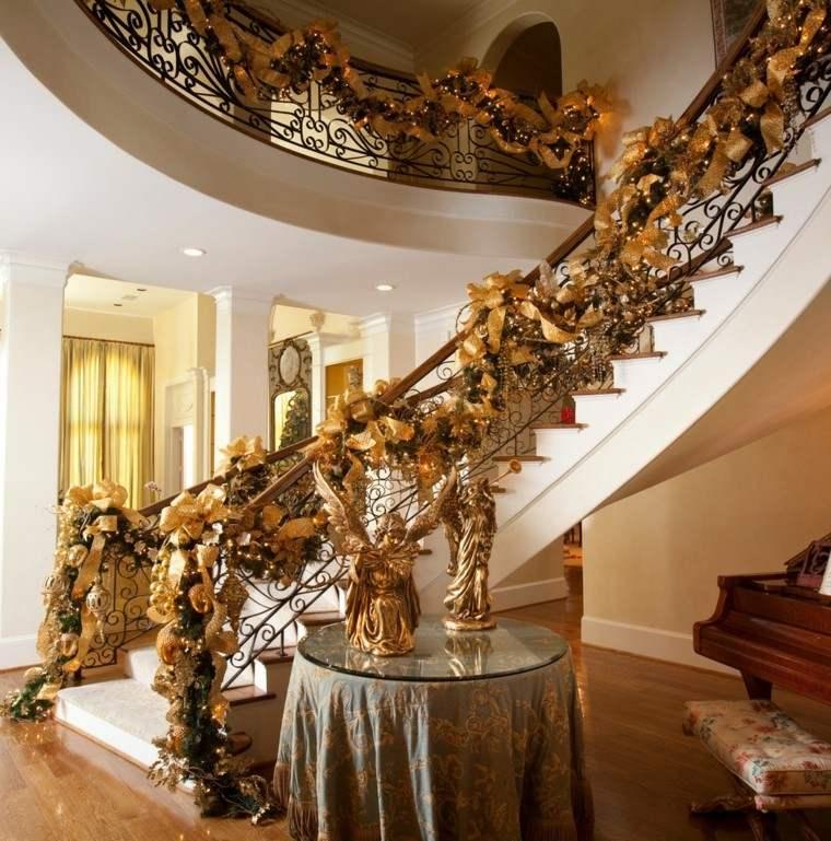 guirnalda escalera lujosa color dorado