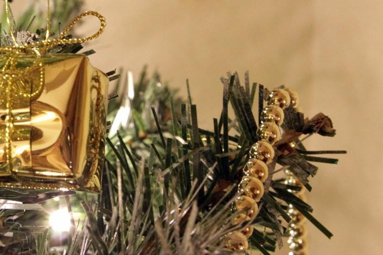 guirnaldas de navidad adornos dorados