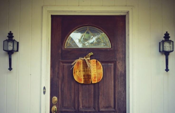ideas calabaza falsa macera colgar puerta bonita