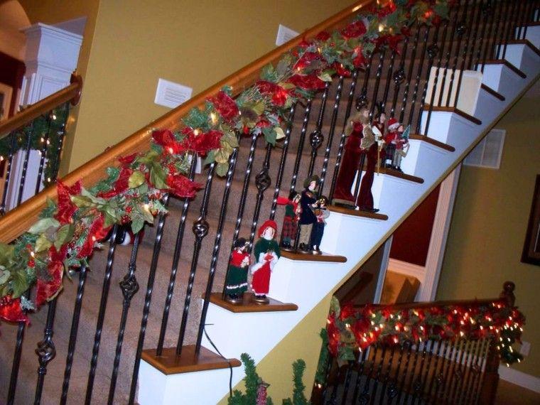 ideas para decorar escaleras navidad amarillo forja