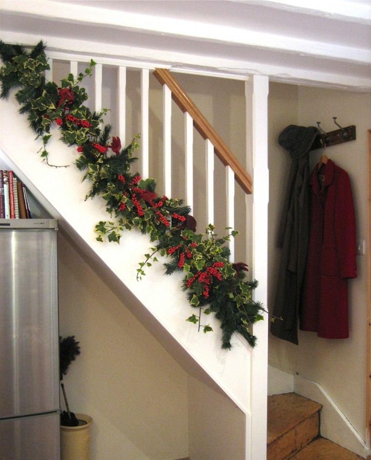 ideas para decorar escaleras navidad blanco diseño