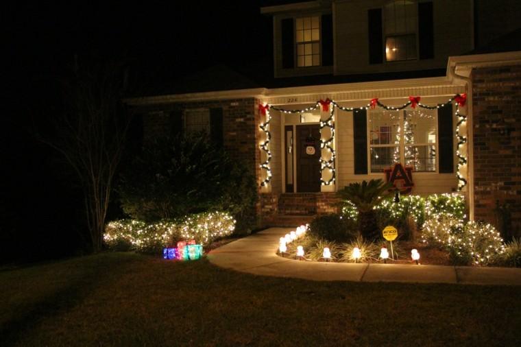 Iluminacion exterior decoracion navide a con luces for Luces de jardin exterior