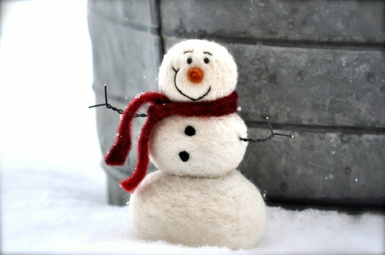manualidades en casa muñeco nieve bufanda