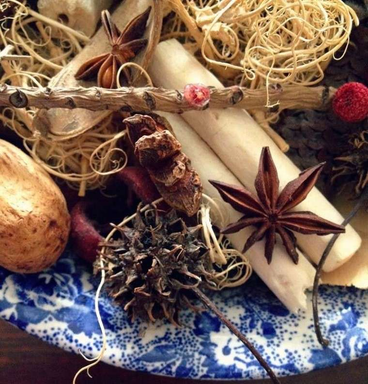 material natural decoracion invierno ideas interesantes plato azul