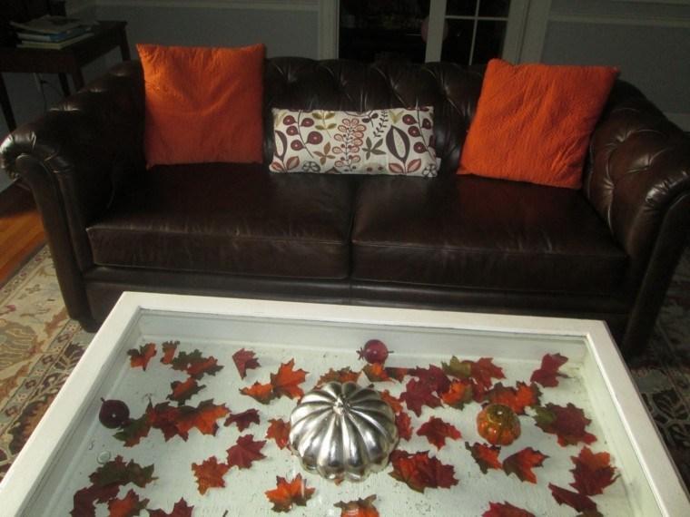 mesa salon hojas arboles secas