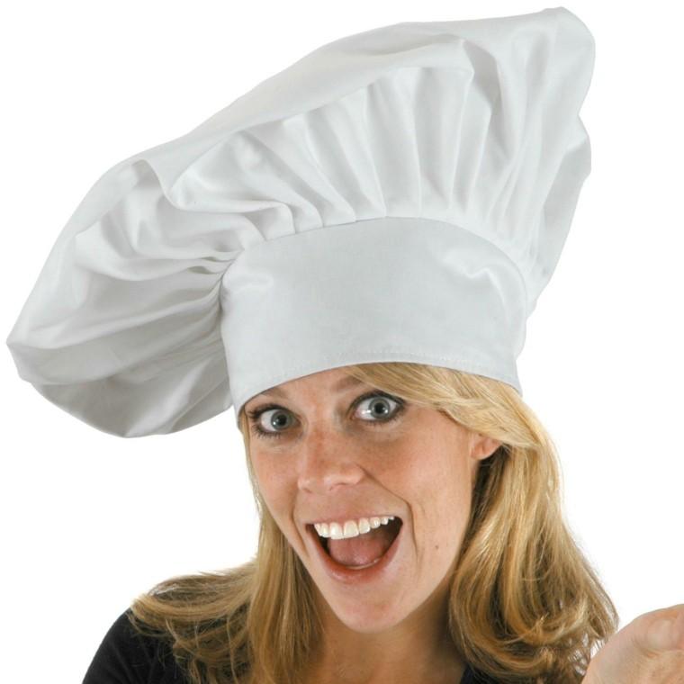 mujer rubia gorro blanco cocinera