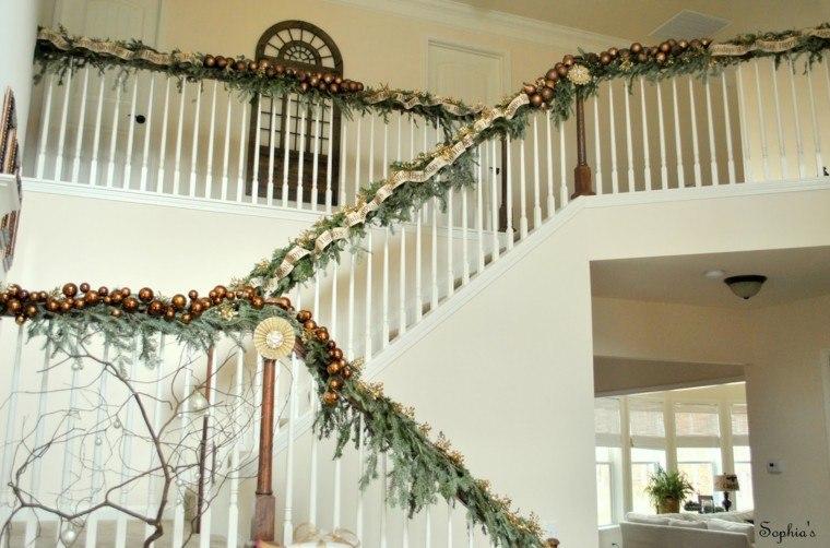 Guirnaldas de navidad cincuenta modelos originales - Escaleras decoradas en navidad ...