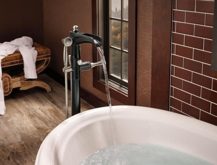 original diseño grifo fuente bañera