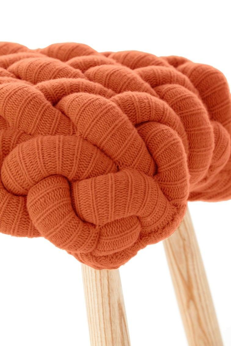 original taburete lana color naranja