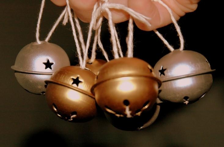 originales adornos navideños cascabeles colgantes