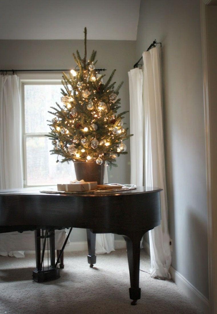 piano estilo macetas cortinas gris