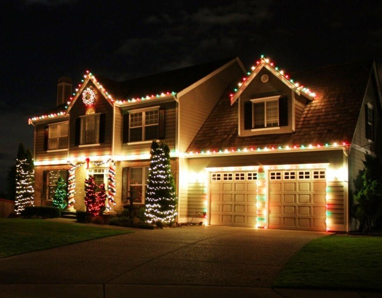porche puerta de entrada decoracion navidena garaje luces ideas