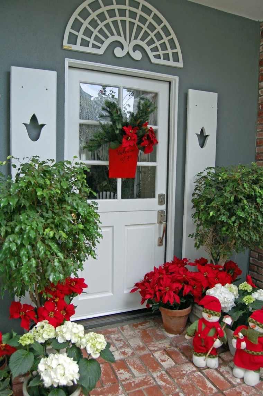 Porche puerta de entrada ideas de decoraci n navide a - Adornos de navidad para las puertas ...