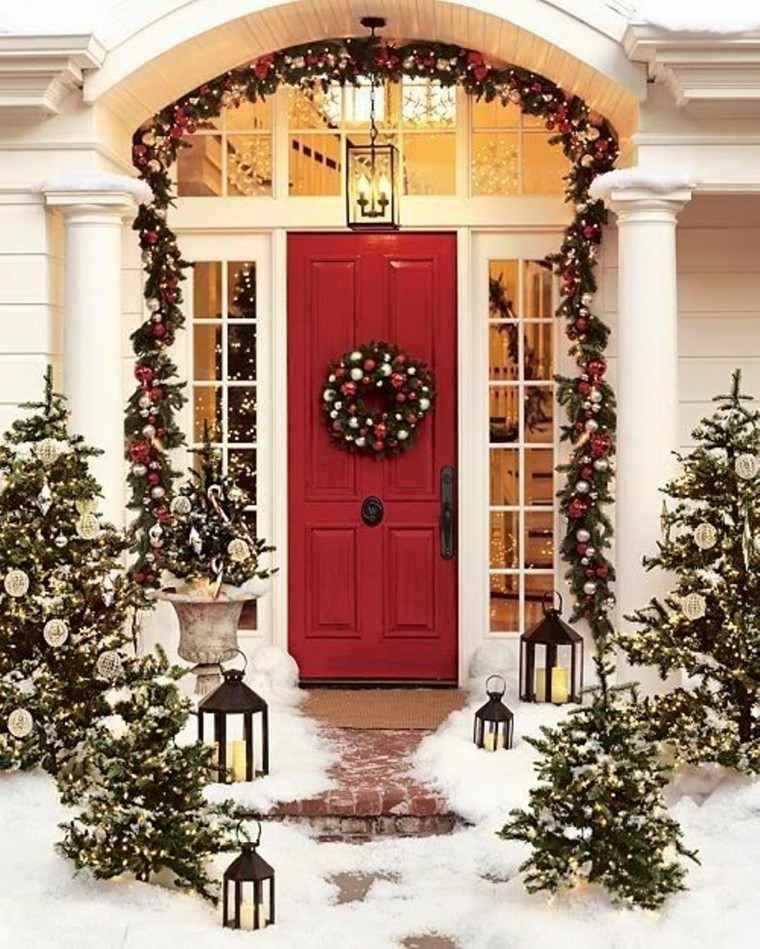 porche puerta de entrada ideas decoracion navidena farolas original