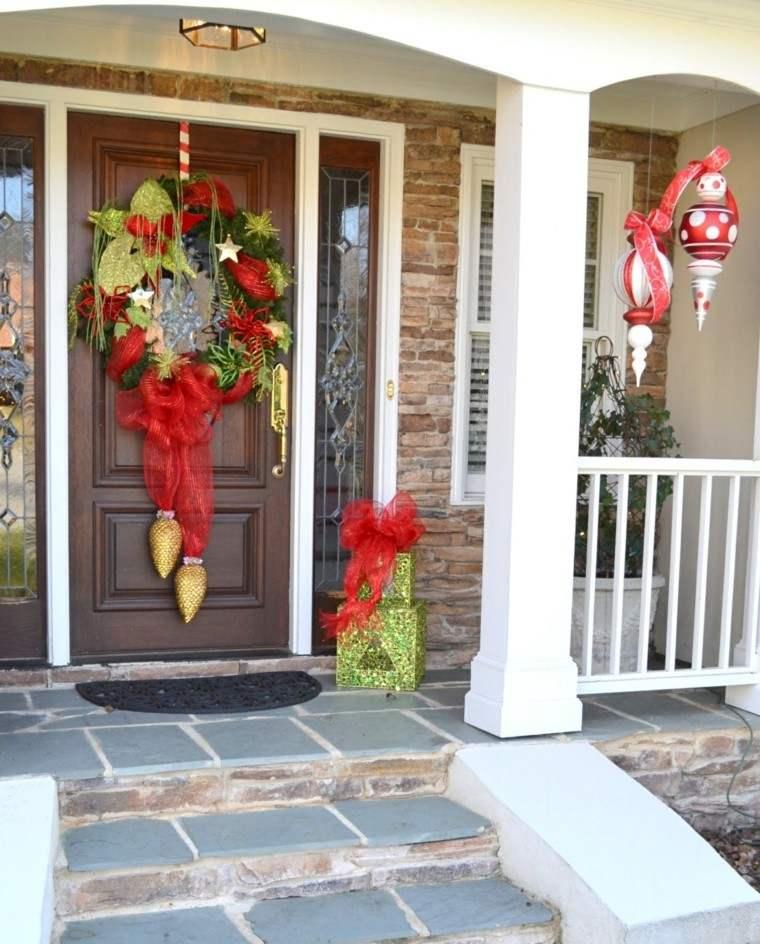 porche-puerta de entrada ideas decoracion navidena guirnalda preciosa moderna
