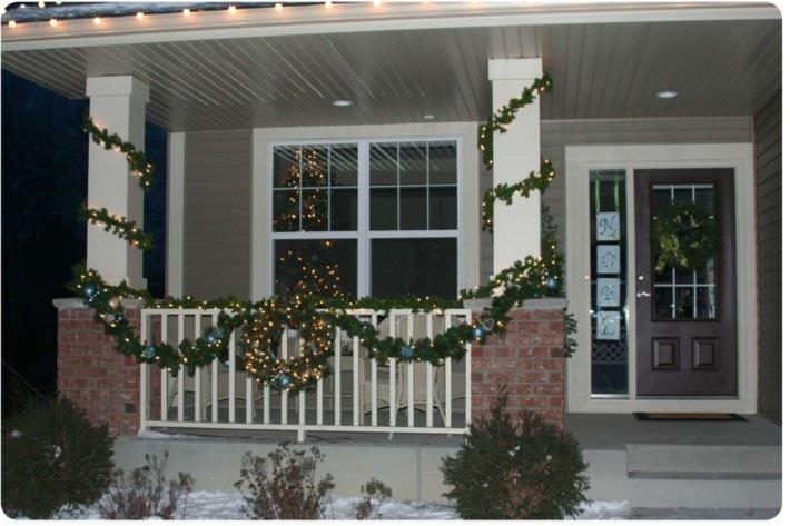 porche entrada luces guirnaldas navideñas
