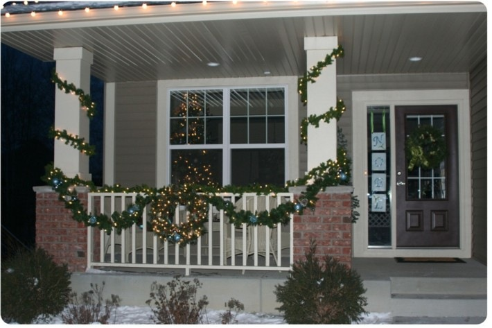 Porche de entrada decorado para la navidad 50 ideas for How to decorate a small front porch for christmas