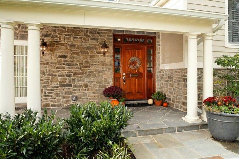 puerta entrada porche decorado