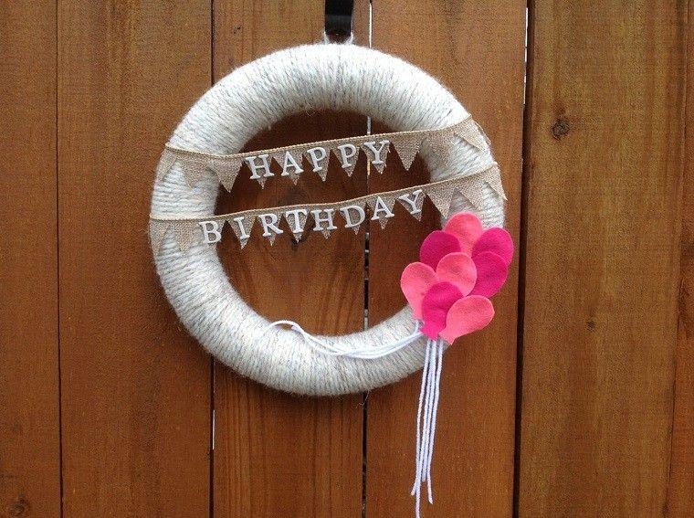 puertas entrada decoradas guirnaldas lana globos rosa ideas