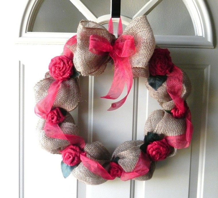 puertas entrada decoradas guirnaldas tela rosa ideas