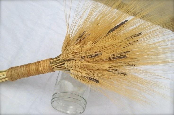 ramo trigo bote vidrio volcado