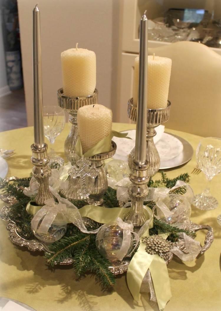 Recetas navide as para decorar la mesa en plata y verde - Adornos para navidad con pinas ...