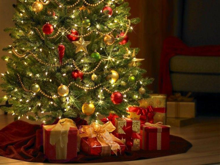 rojo oro adornos navidad regalos bajo arbol navidad ideas