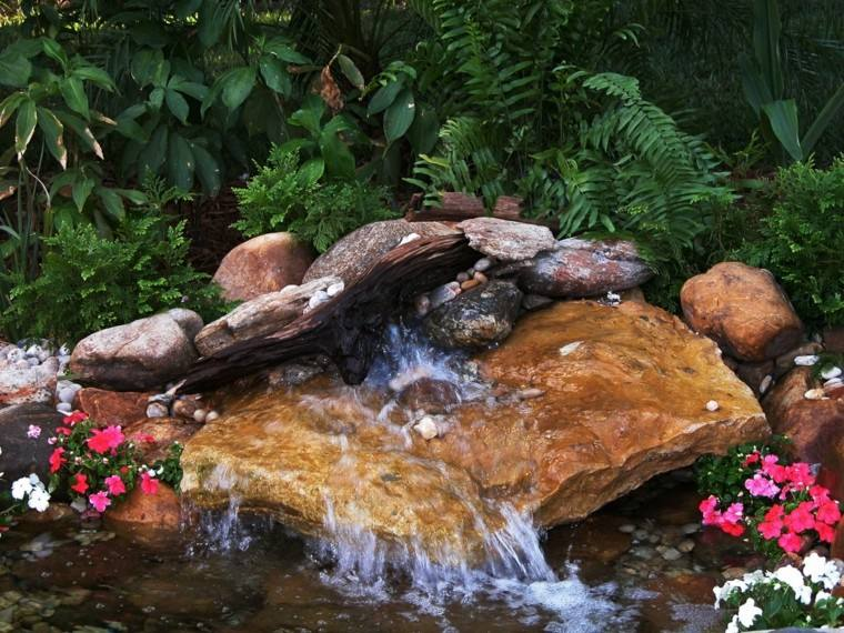 rocas grandes cascada jardin