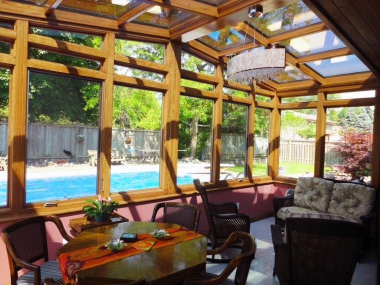 sala cubierta estructura madera ventanas