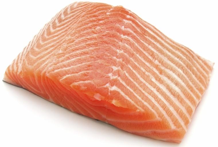 trozo carne salmon  fresco rosa