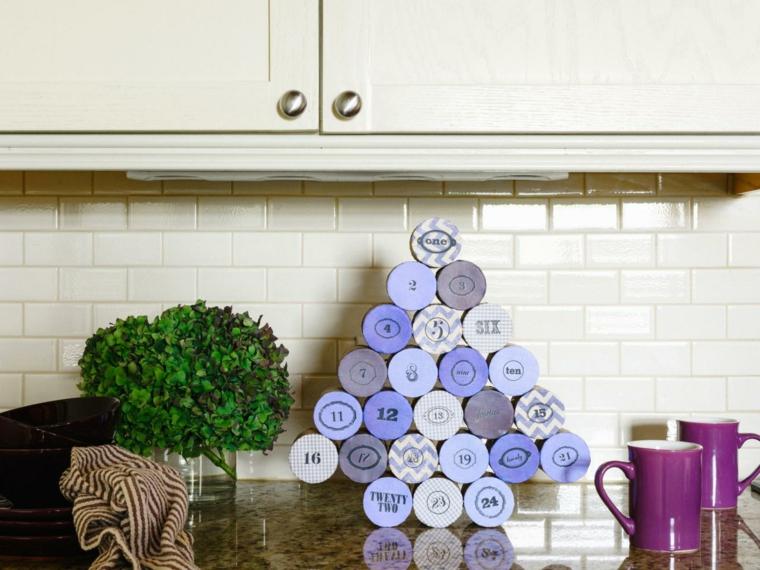 tubos color lila calendario adviento