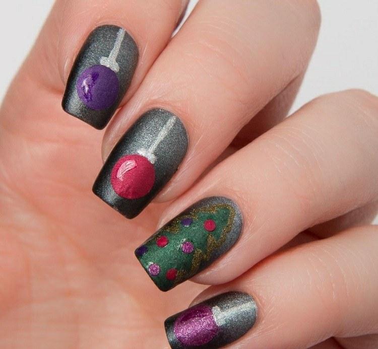 uñas pintadas color gris metalico difuminado