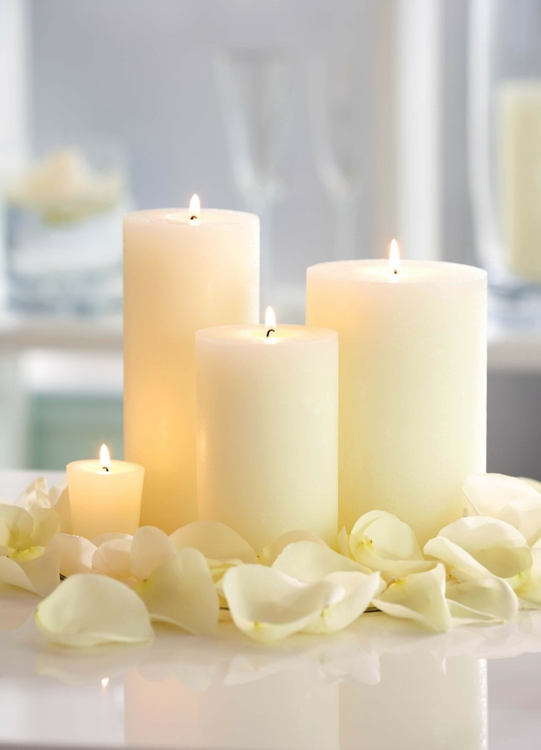 velas blanco estilo petalos ambiente