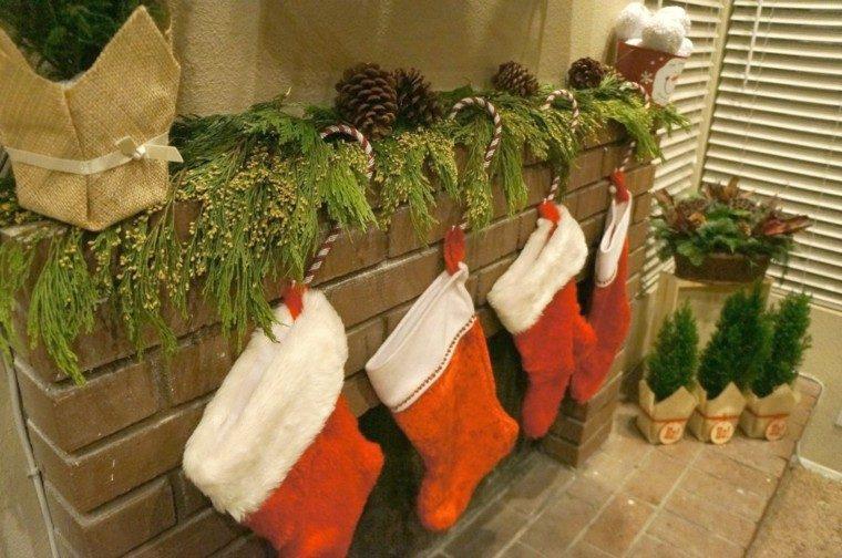 vista chimenea decoración navidad