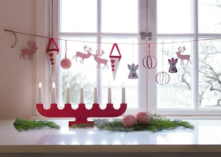 adornos navideños ventanas cintas cuerdas