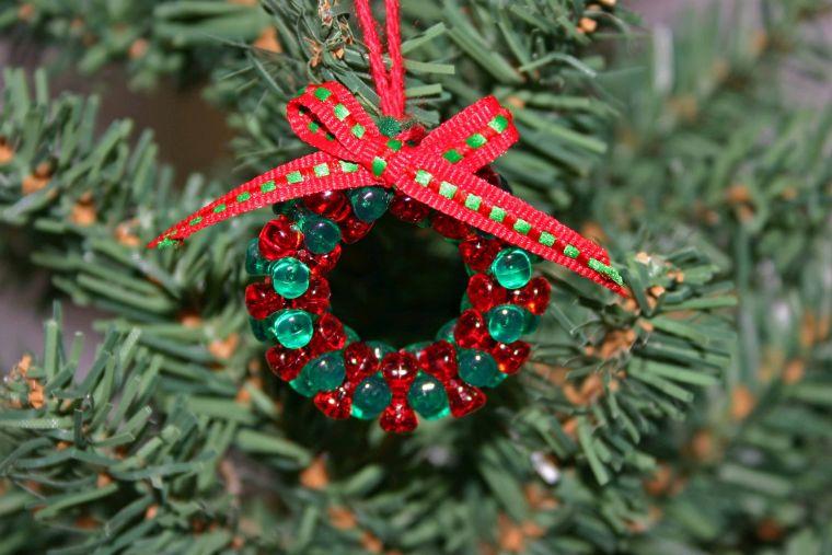 Arbol de navidad decoracion preciosa con lazos - Como se hacen adornos navidenos ...