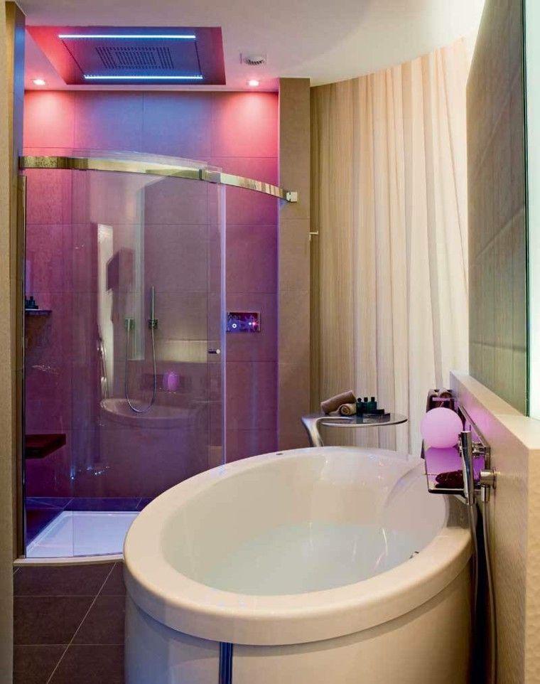 baño estilo moderno luces colores