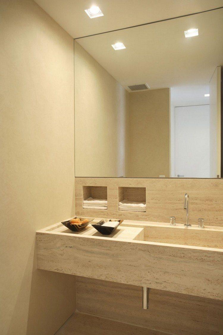 baño pequeño luces color beige