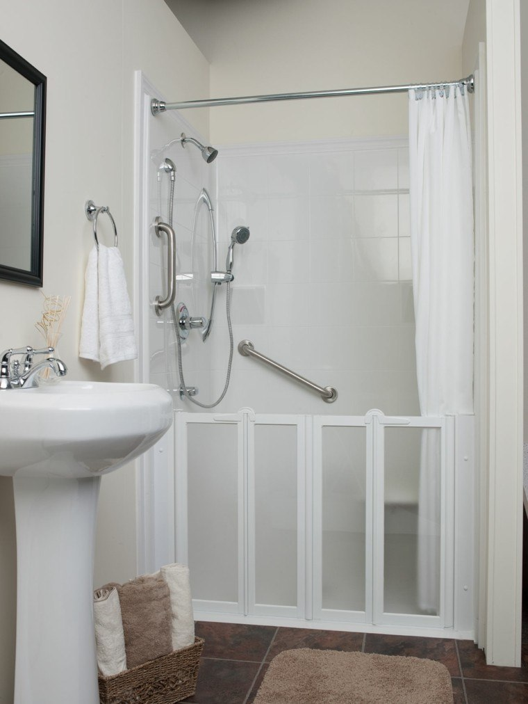 baño estilo retro pequeño blanco