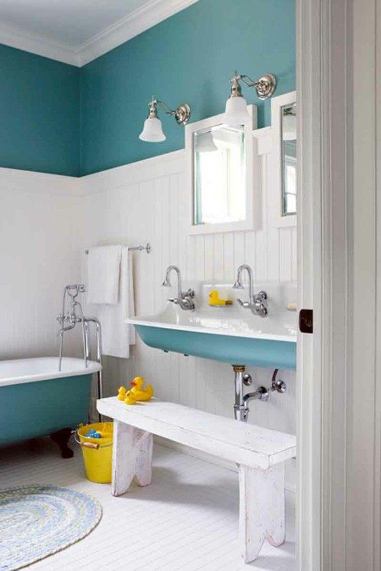 baño color celeste estilo vintage
