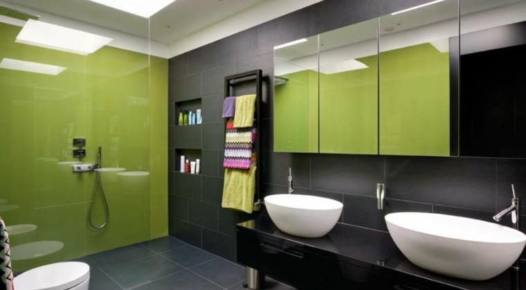 bano moderno colores vibrantes mampara ducha verde ideas