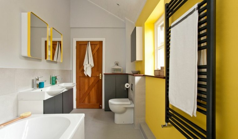 baños modernos colores vibrantes pared llamativa amarilla ideas